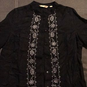 Black mid sleeve button down